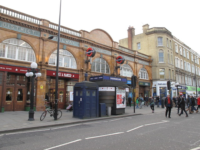 earls-court-police-box.JPG